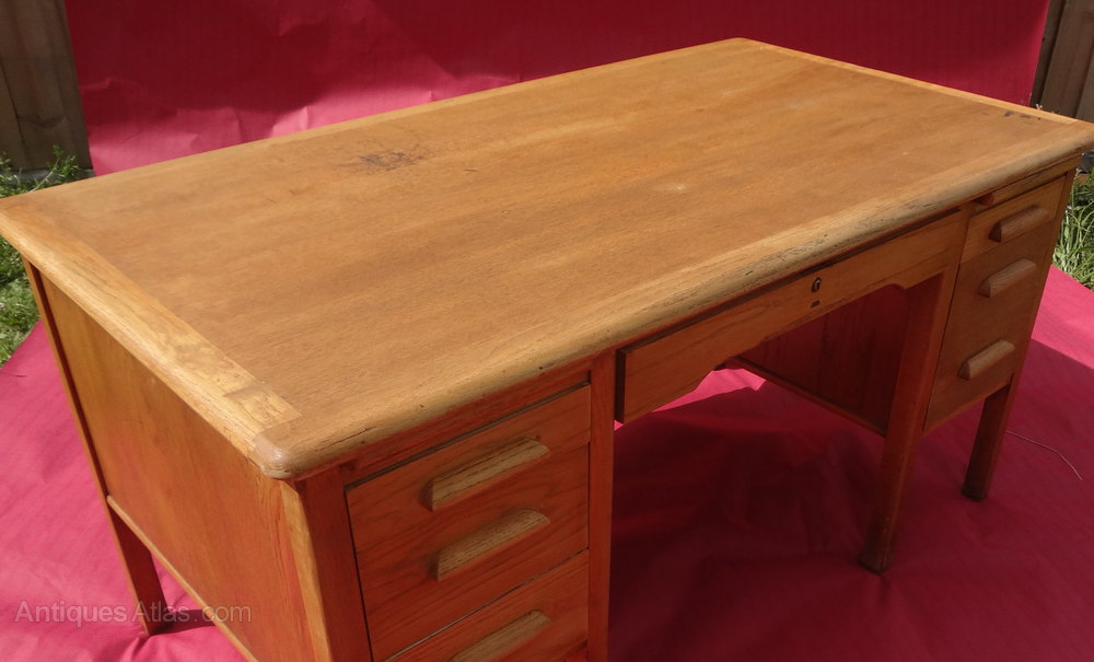 Gentil Photos. Vintage Oak Office Desk ...