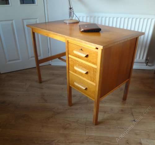 - Antiques Atlas - Mid Century Oak School Teachers Desk C 1960