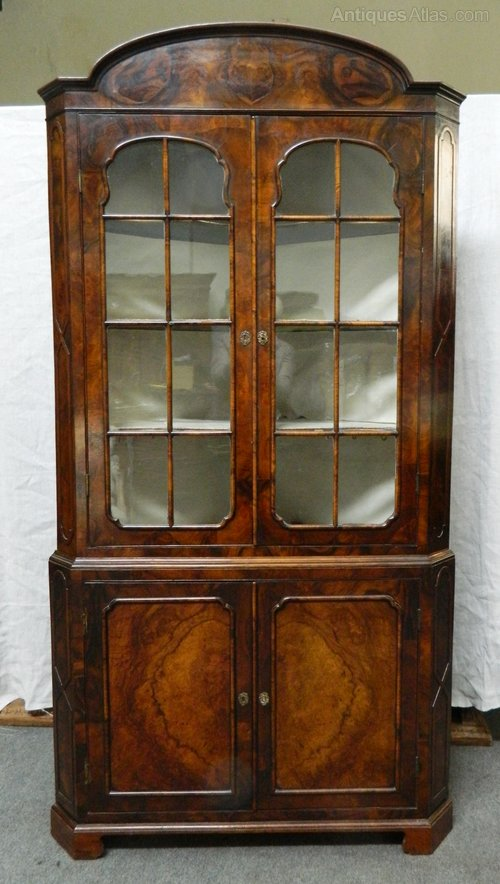 Victorian Walnut Corner Cupboard - Victorian Walnut Corner Cupboard - Antiques Atlas