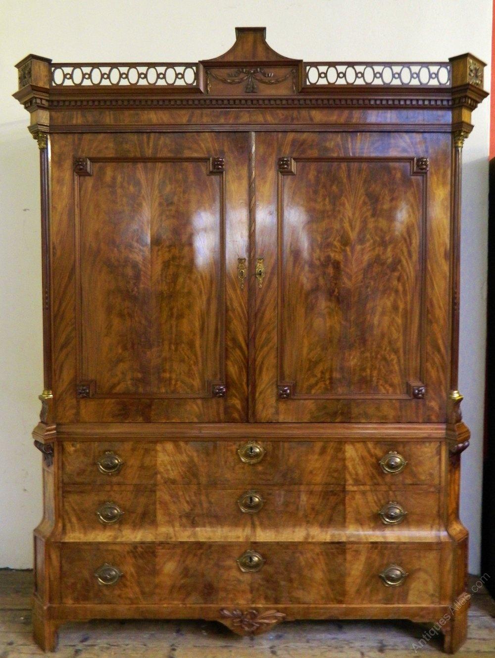 Large Mahogany Wardrobe / Armoire - Antiques Atlas