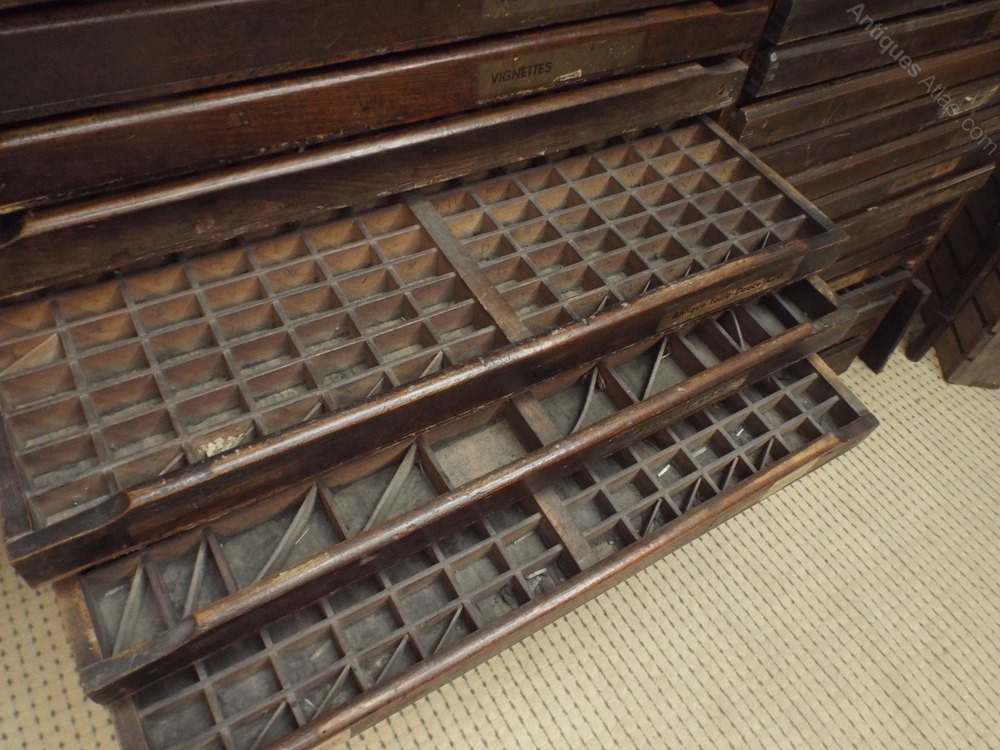 french paris collators cabinet antiques atlas. Black Bedroom Furniture Sets. Home Design Ideas