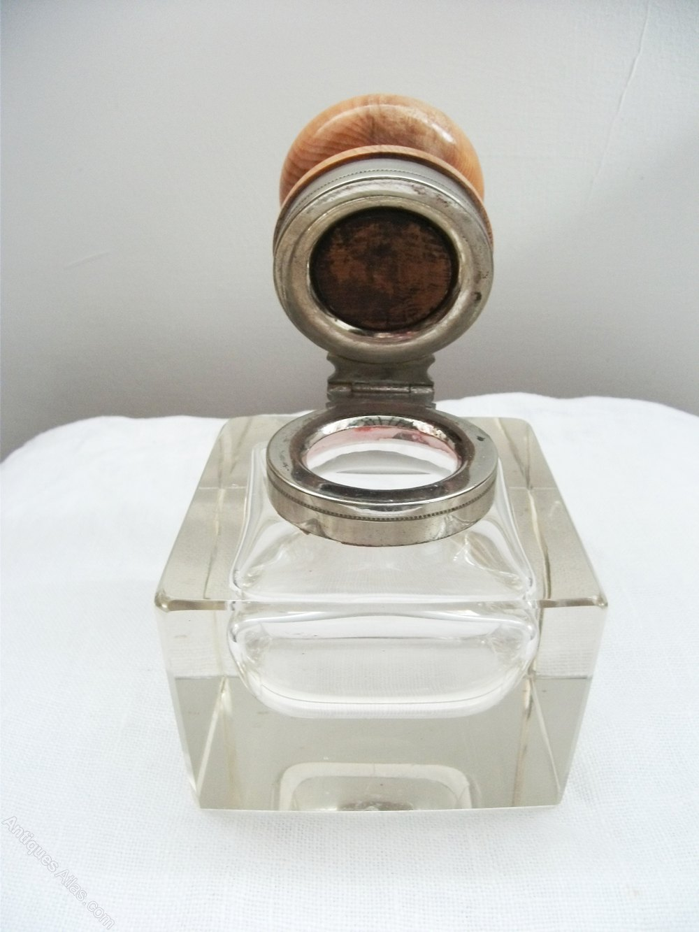 antiques atlas edwardian glass inkwell  yew wood top