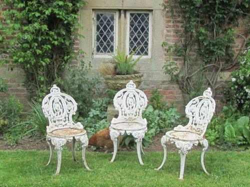 Mid 20thc cast iron garden chairs, Victorian style Antique ... - Antiques Atlas - Mid 20thc Cast Iron Garden Chairs, Victorian Style