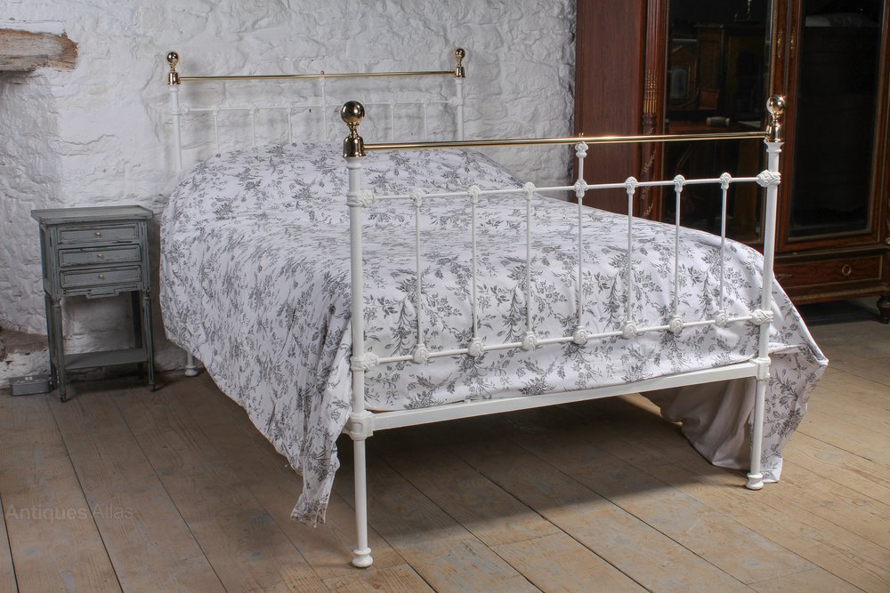 Pretty Queen Size Victorian Brass And Iron Bed Antiques
