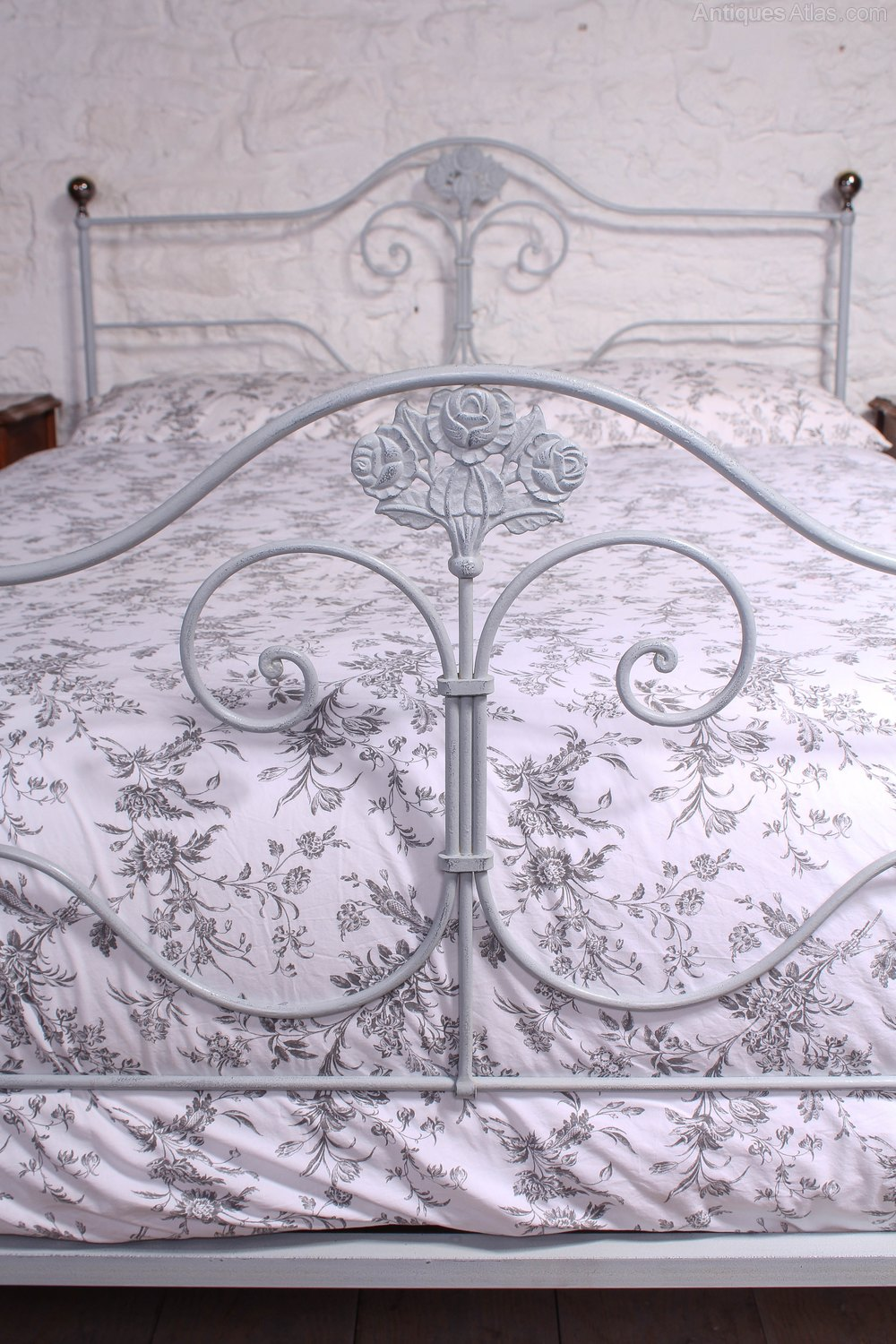 Unique Pretty Kingsize Forged Iron And Brass Antique Iron Beds