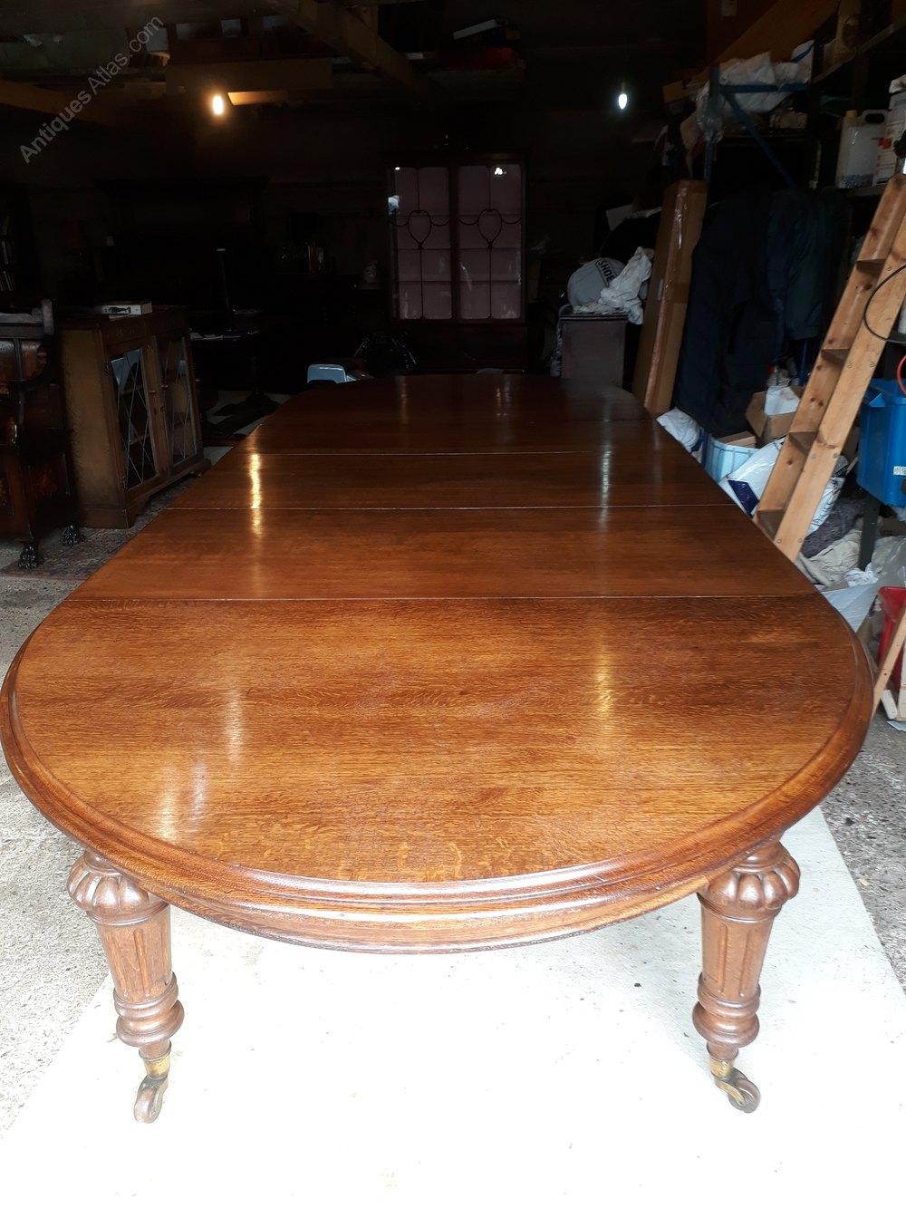 010960684899 Large Mid 19th C Oak Extending Dining Table - Antiques Atlas