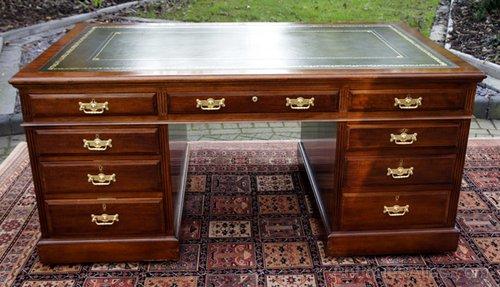 ... Antique Partners Desk Mahogany Desk Large partners desk ... - Large Antique Mahogany Partners Desk - Antiques Atlas