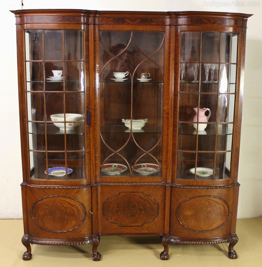 mahogany display cabinet large chippendale style mahogany display cabinet 3954