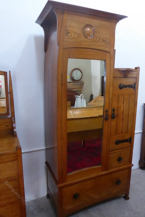 Arts And Crafts Bedroom Furniture  Antiques Atlas