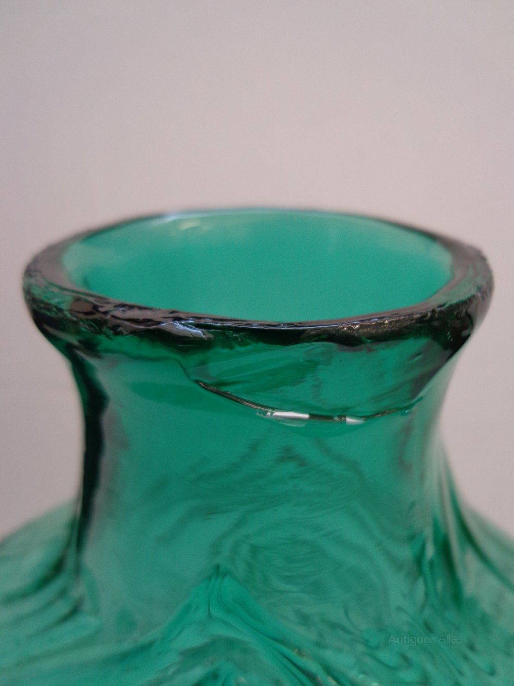 Antiques atlas rare whitefriars nipple vase in cased aqua whitefriars glass whitefriars glass nipple vase alt5 reviewsmspy