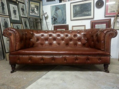 Merveilleux Antique Victorian Leather Chesterfield 3 Seat Sofa Antique Chesterfields