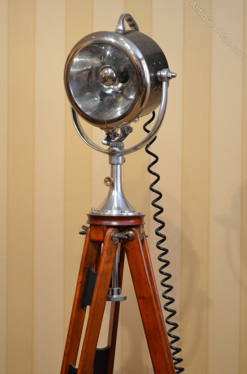 Antiques atlas 1920s half mile ray searchlight floor lamp 1920s half mile ray searchlight floor lamp aloadofball Gallery