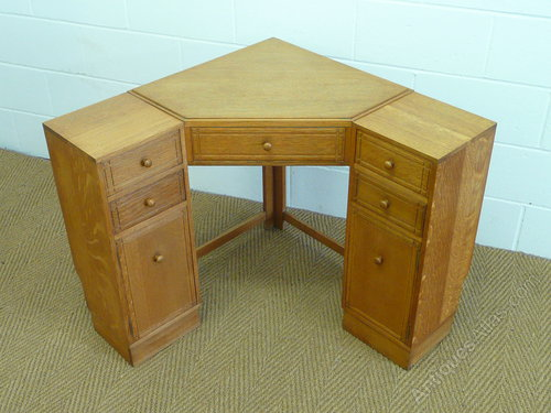 Heals Oak Corner Desk Antique Desks - Heal's Oak Corner Desk - Antiques Atlas