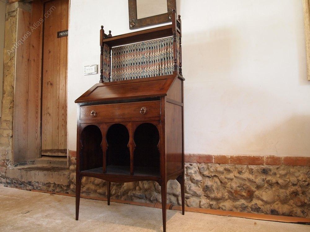 bureau arts and crafts liberty the medina bureau antiques atlas. Black Bedroom Furniture Sets. Home Design Ideas