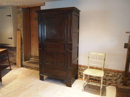 Cloverleaf Home Interiors.  Wardrobe Cupboard Queen Anne Oak C1710 Antiques Atlas
