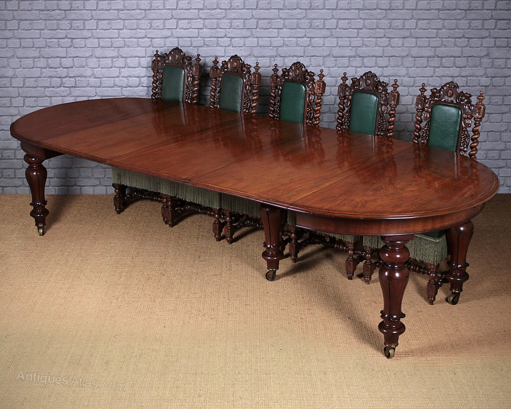12 seater extending mahogany dining table antiques atlas - Seater dining tables ...