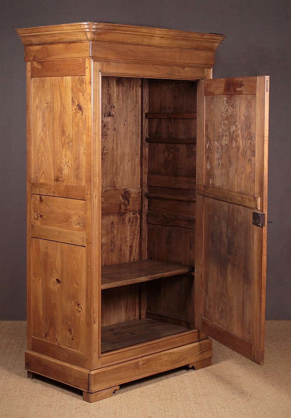 Early 19th.c. Elm Armoire C.1830. - Antiques Atlas