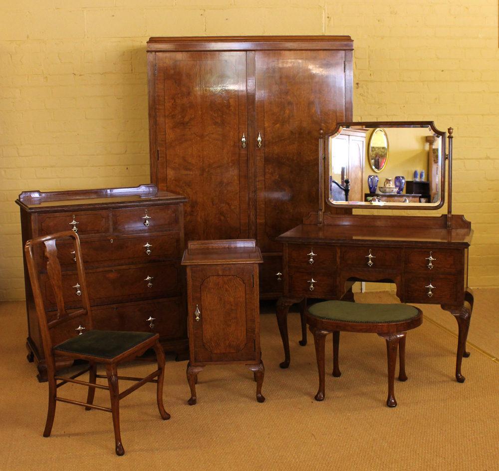 Edwardian Oak Bedroom Suite C.1910.
