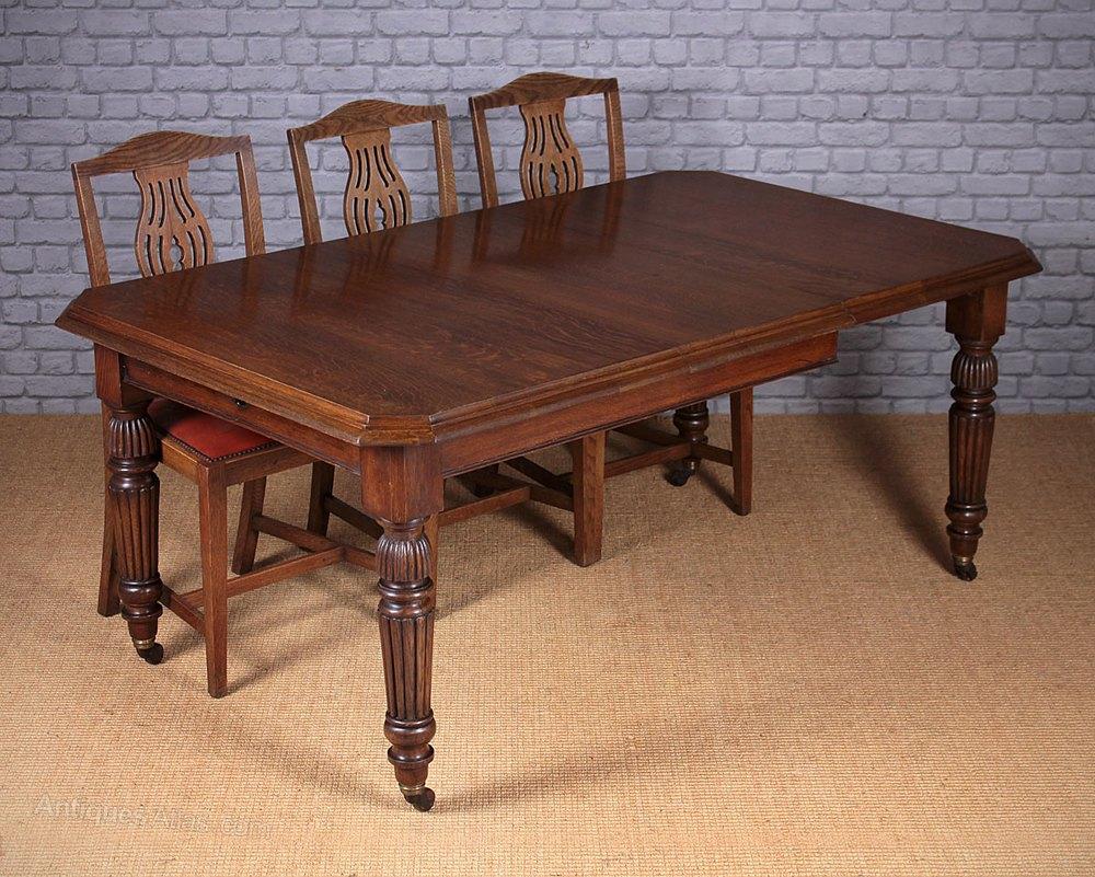 Beautiful Edwardian Oak Extending Dining Table c