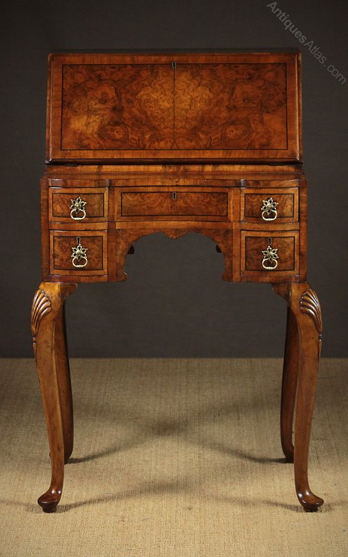 Small Queen Anne Desk c.1930. Antique Bureaus ... - Small Queen Anne Desk C.1930. - Antiques Atlas