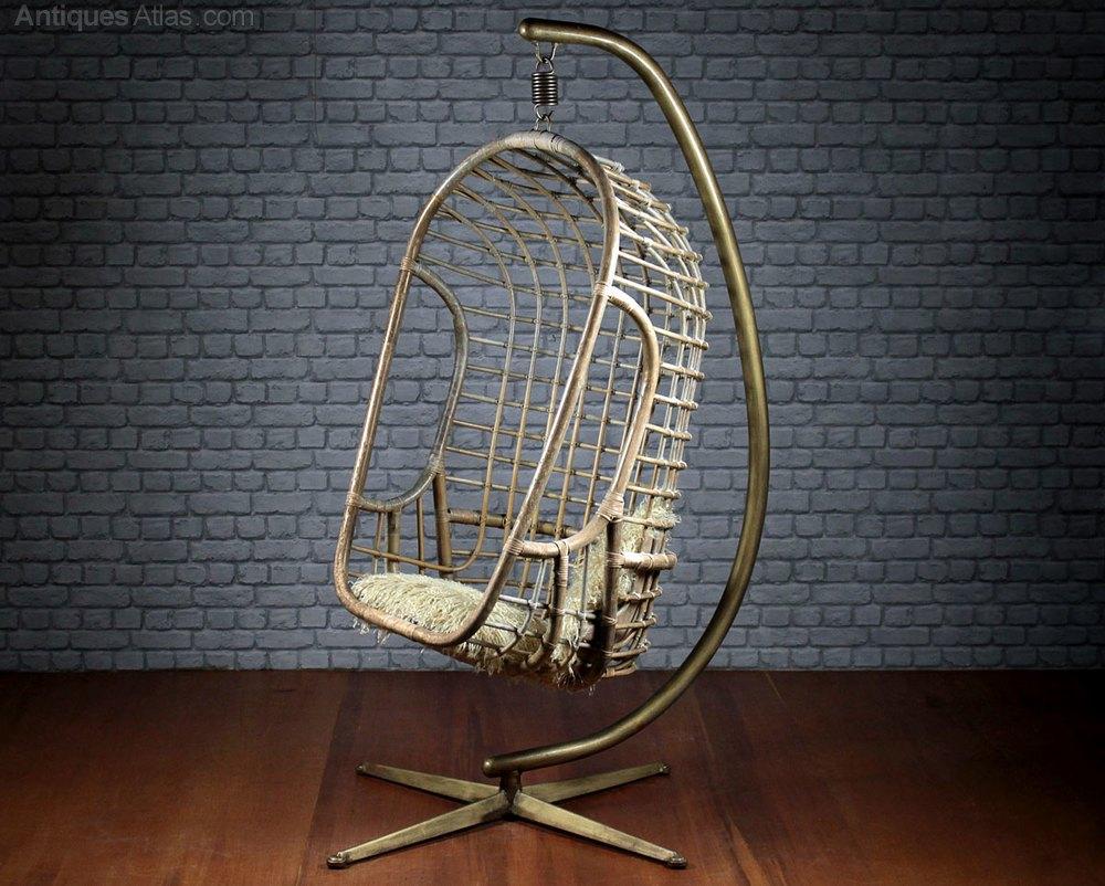 Superbe Vintage Mid Century Hanging Chair C.1960u0027s.