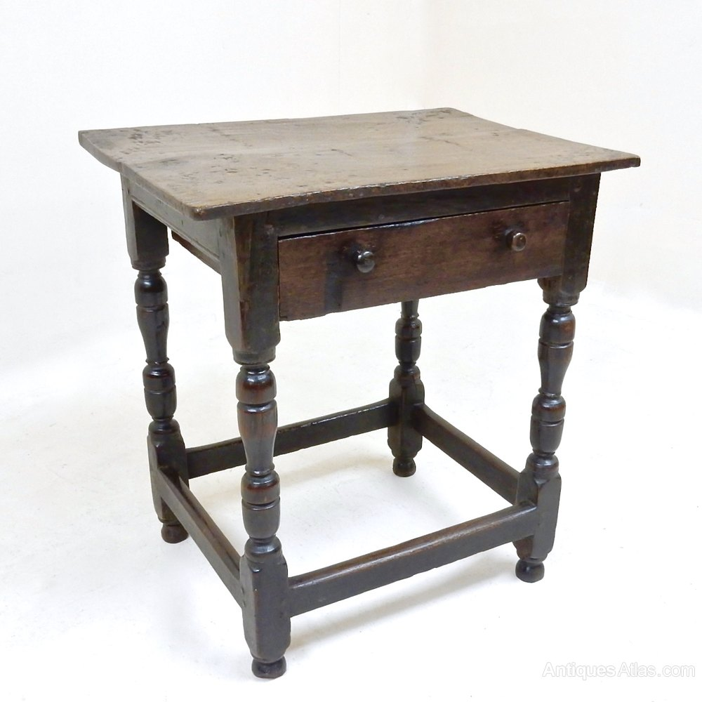 Small oak side table antiques atlas for Tiny side table