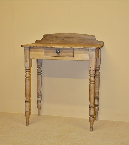 small pine side table - q3192 - antiques atlas