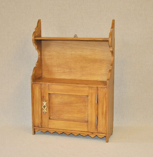 - Small Pine Wall Cabinet - Q3304 - Antiques Atlas