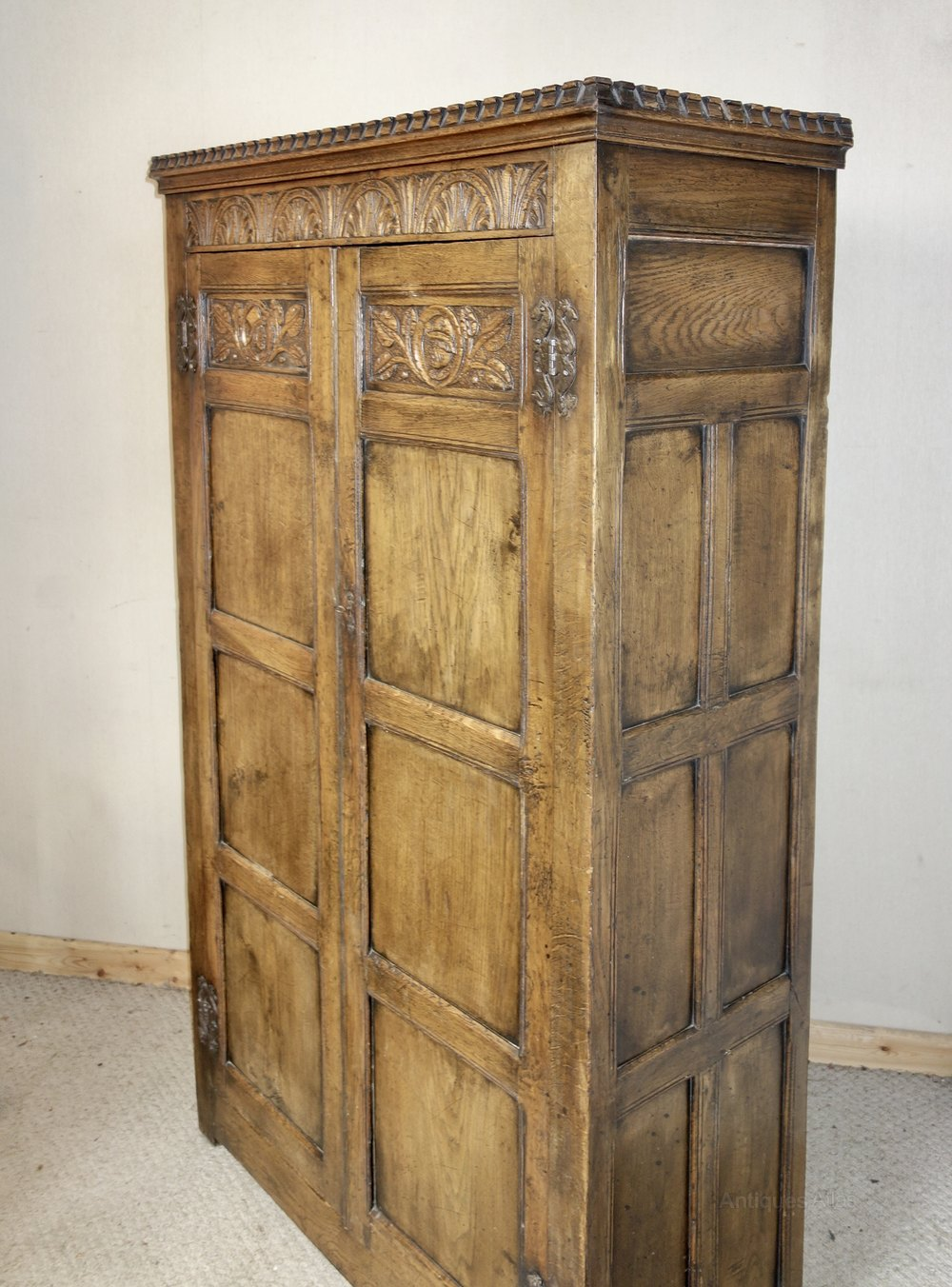 Ipswich Distressed Oak Two Door Wardrobe Antiques Atlas