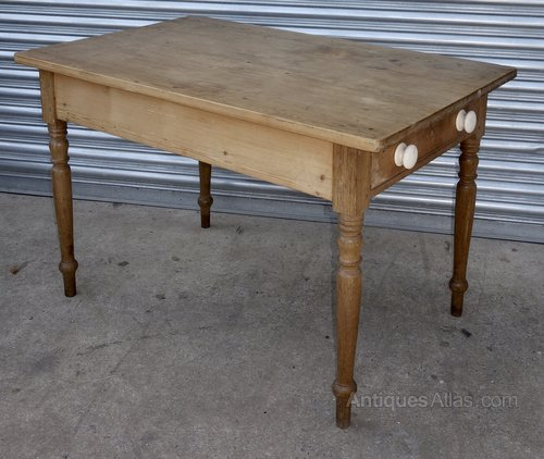 small pine kitchen table one drawer small pine kitchen table one drawer   antiques atlas  rh   antiques atlas com