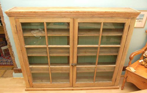 An Early 19thC Pine Bookcase / Display Cabinet Antique ... - An Early 19thC Pine Bookcase / Display Cabinet - Antiques Atlas