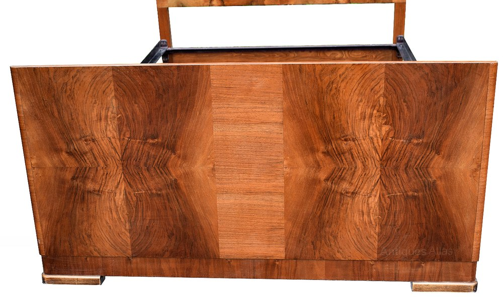 1930 39 s art deco walnut double bed antiques atlas for Miroir art deco 1930