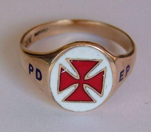 Antiques Atlas - 9CT Gold & Enamel Masonic Knights Templar Ring