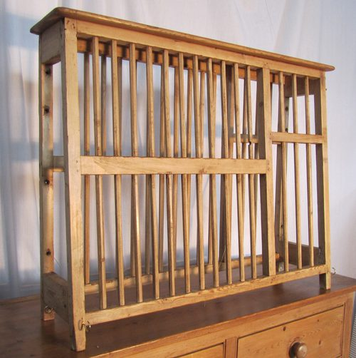 A Georgian Pine Plate Rack & A Georgian Pine Plate Rack - Antiques Atlas