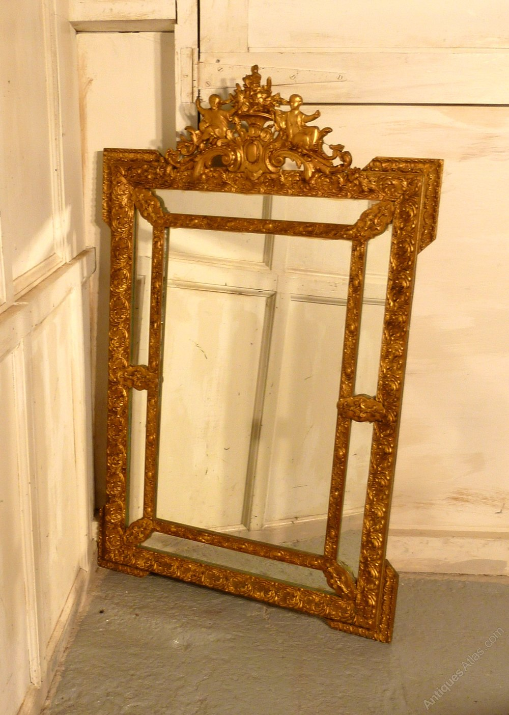 Antiques Atlas - A Large Very Decorative Gilt Wall Mirror