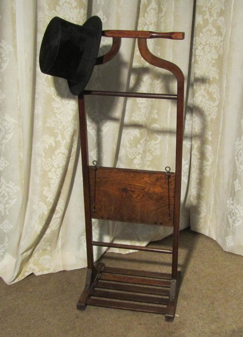 An Art Deco Beech Trouser Press