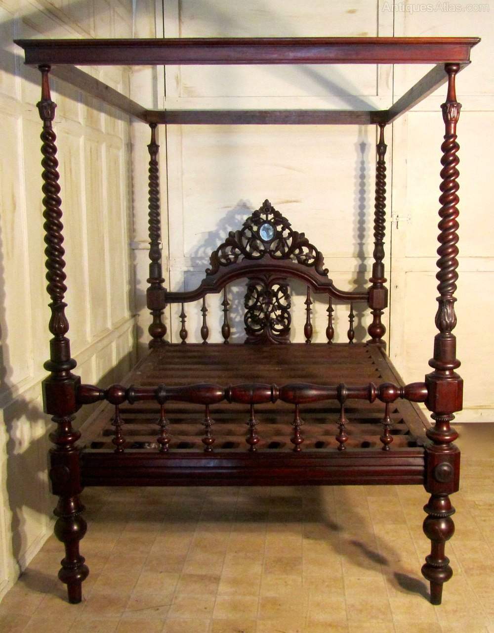 ... Antique Four Poster Beds ... & Colonial Style Carved Mahogany 4 Poster Double Bed - Antiques Atlas