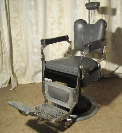 - French Vintage Retro Vinyl & Chrome Barbers Chair - Antiques Atlas