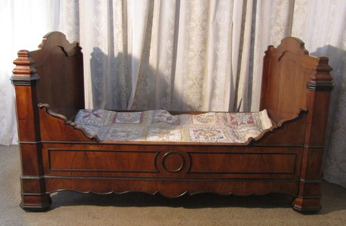 French Walnut And Ebony Sleigh Bed Day Antique