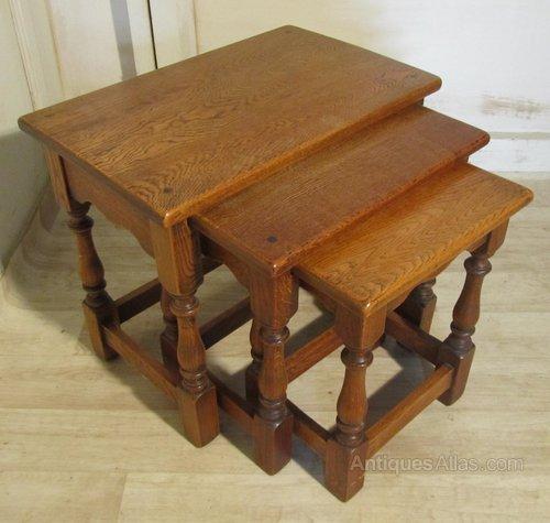 golden oak nest of tables antiques atlas. Black Bedroom Furniture Sets. Home Design Ideas