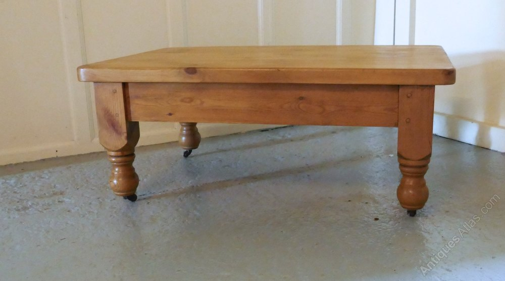 Pine farmhouse coffee table antiques atlas for Pine farmhouse coffee table