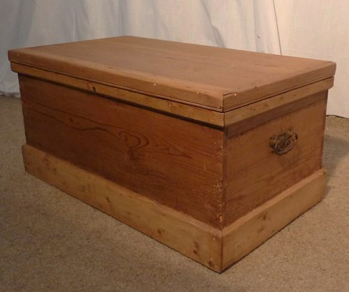 Victorian Pine Coffee Table: Victorian Rustic Pine Blanket Box Or Coffee Table