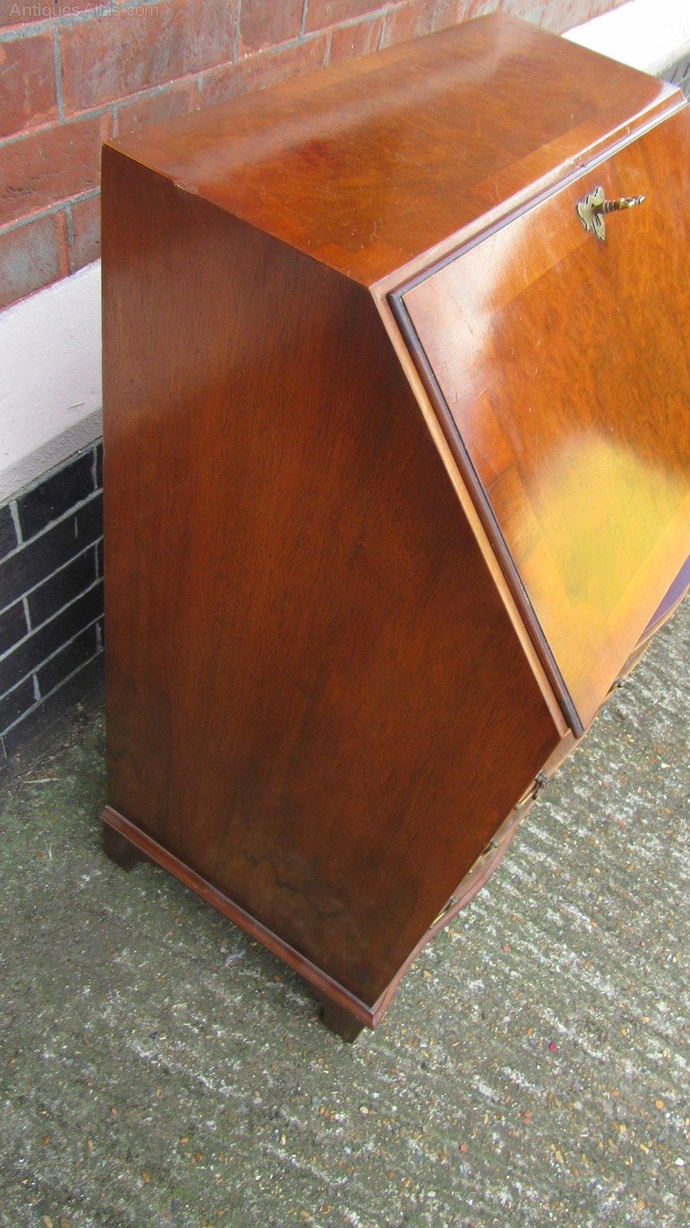 vintage walnut writing bureau antiques atlas. Black Bedroom Furniture Sets. Home Design Ideas
