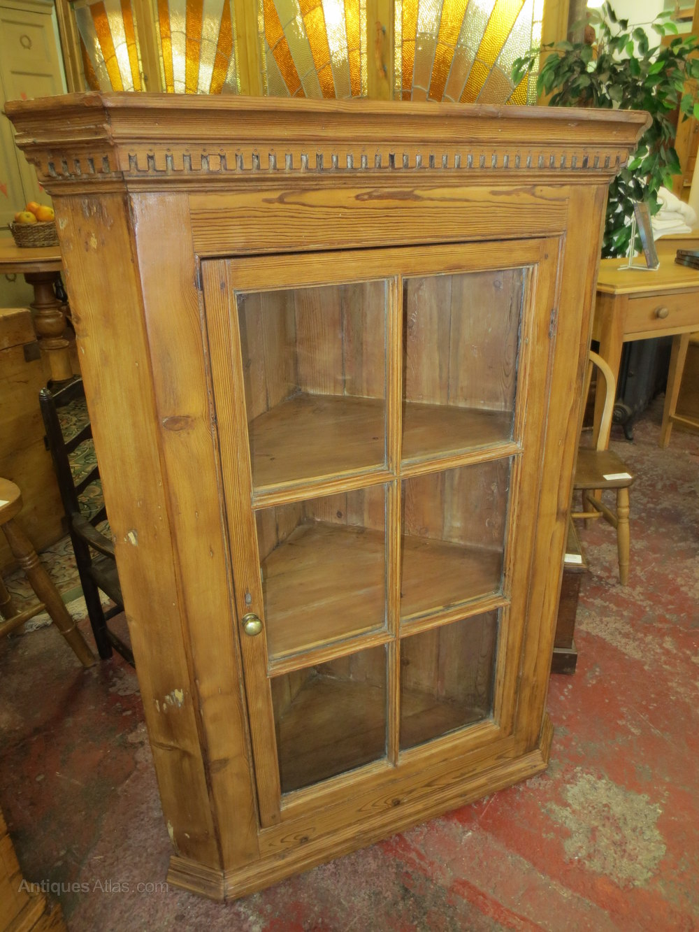 Victorian Pine Corner Cupboard - Victorian Pine Corner Cupboard - Antiques Atlas