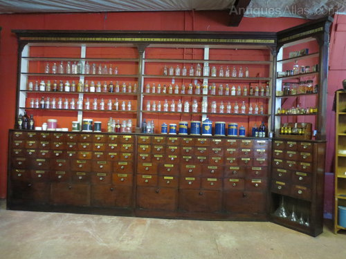 Exceptionnel Victorian Mahogany Pharmacy Cabinets Antique ...