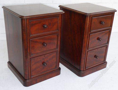 new style cb25c 64f10 Pair Of Victorian Bedside Chests / Bedside Tables - Antiques ...