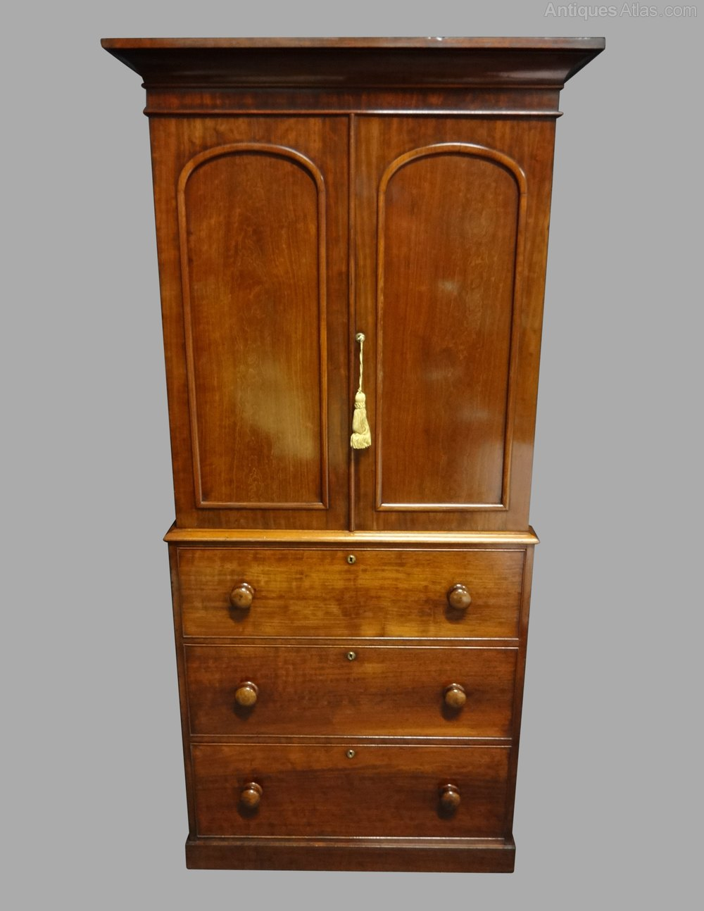 Excellent quality victorian mahogany linen press for Linen press