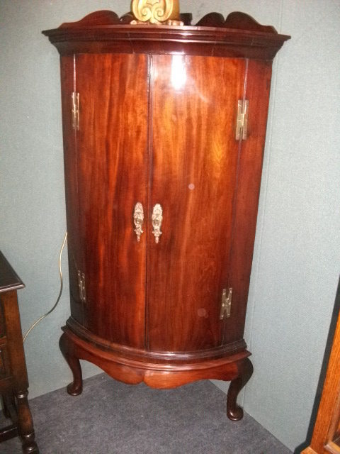 Georgian Mahogany Corner Cabinet On Stand ...