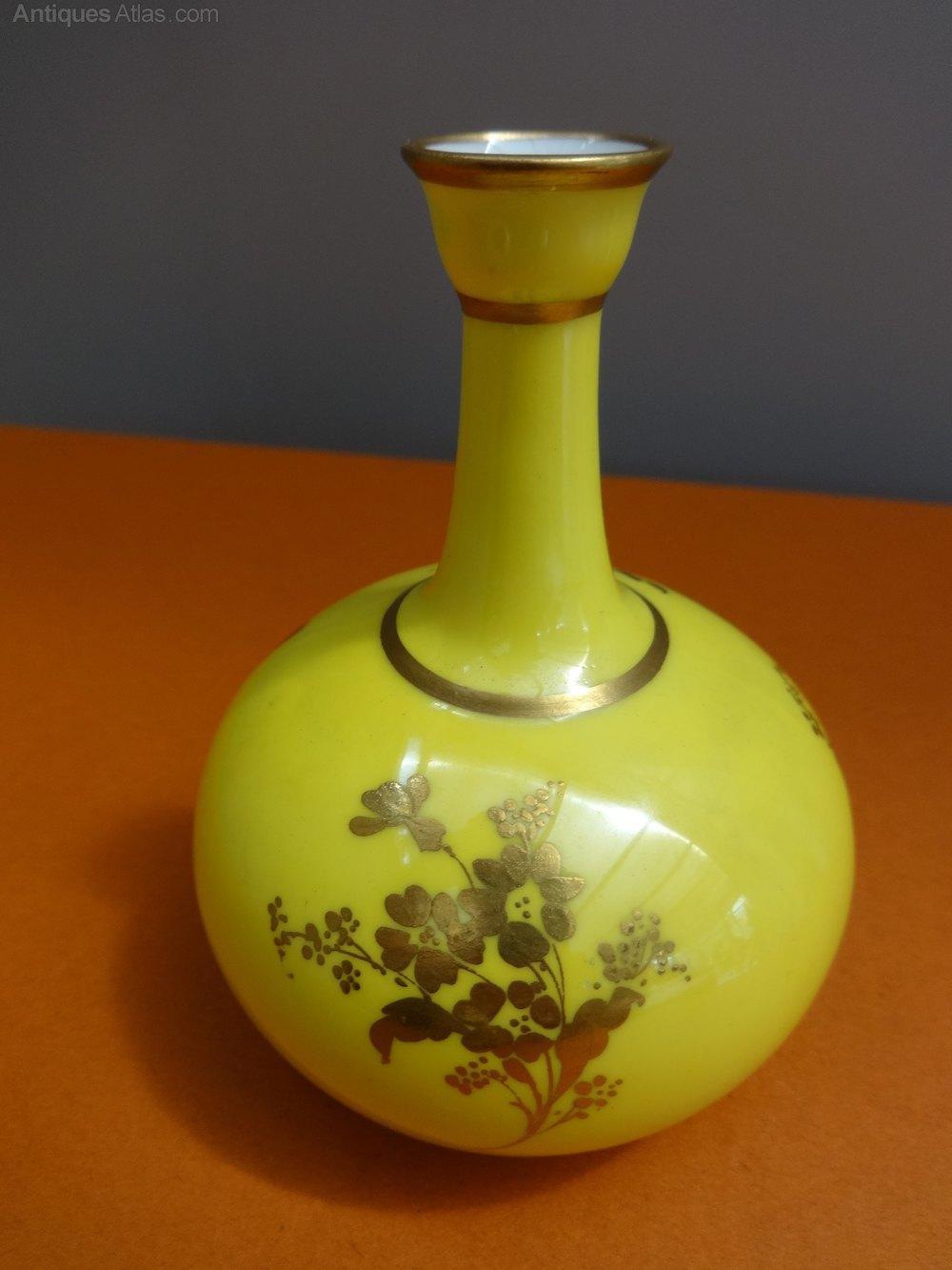 Antiques atlas miniature royal crown derby vase photos miniature royal crown derby vase reviewsmspy
