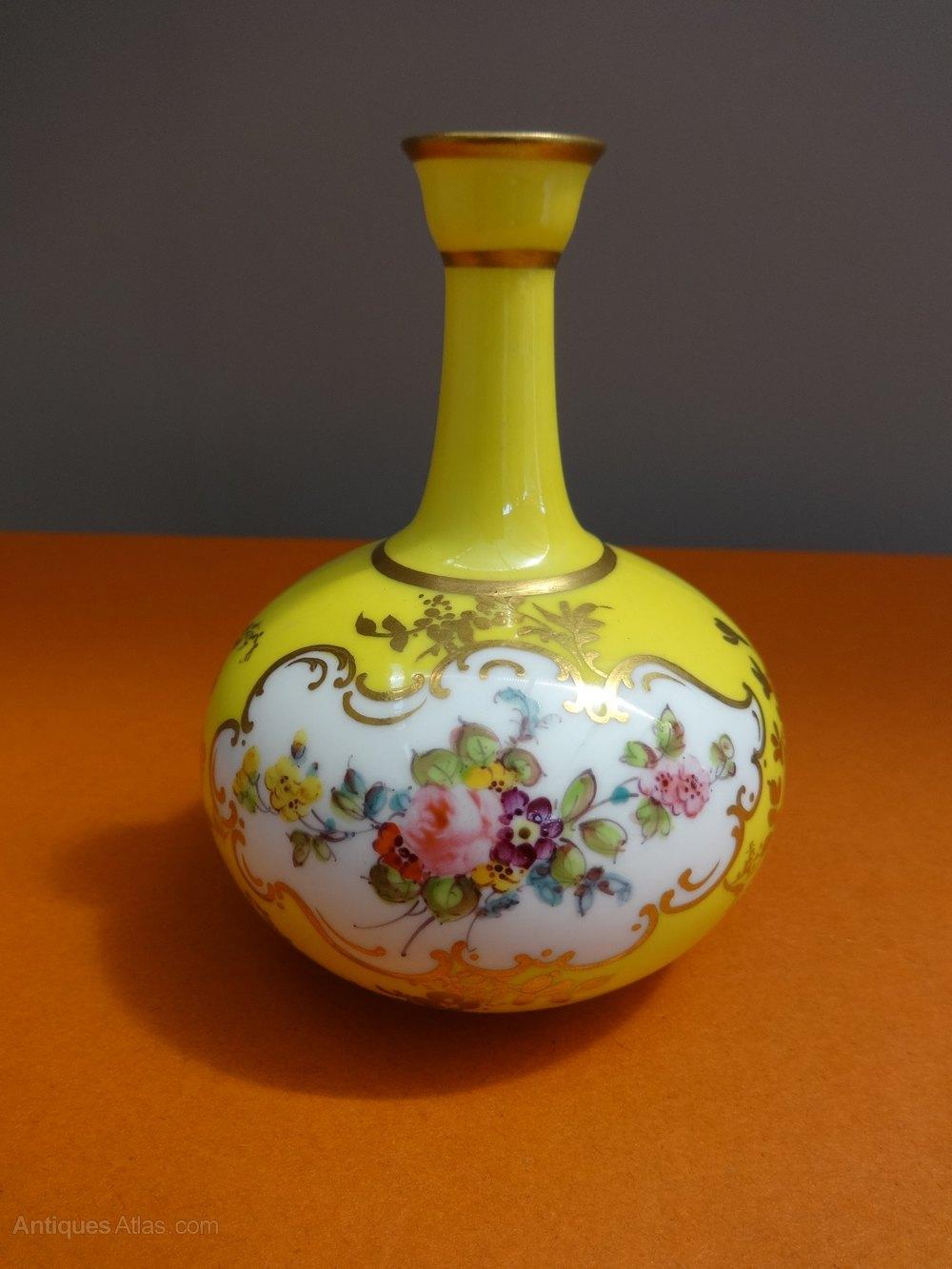 Antiques atlas miniature royal crown derby vase miniature royal crown derby vase reviewsmspy